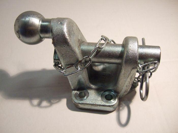 Maul/ Kugelkupplung (83x 56)-24, 5 manuell, 17,2kN