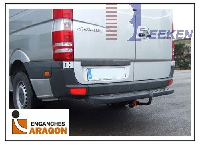 Anhängerkupplung für VW-Crafter I - 2006-2017 30-35, Kasten, Radstd. 3250mm, Fzg. mit Trittbrettst. Ausf.:  feststehend