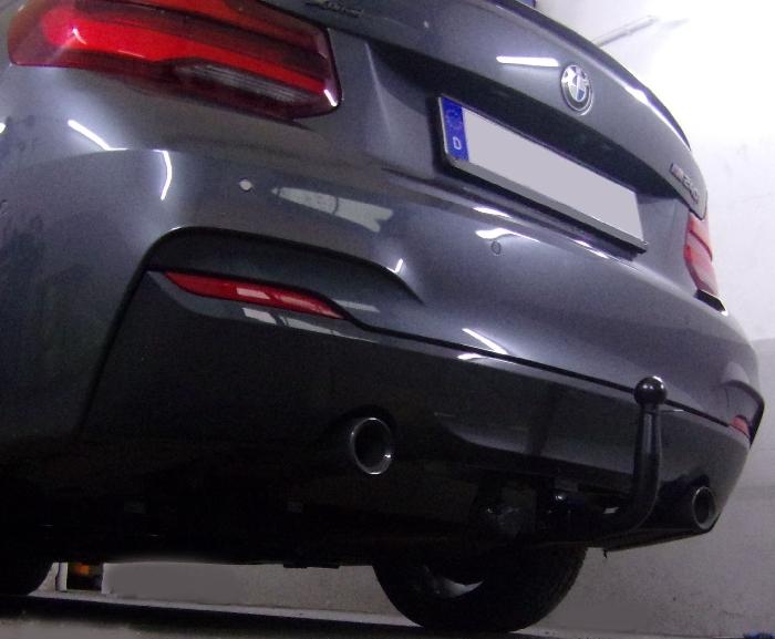 Anhängerkupplung für BMW-2er - 2016- F22 Coupe, speziell M240i xDrive nur für Heckträgerbetrieb Ausf.:  vertikal