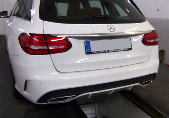 Anhängerkupplung für Mercedes-C-Klasse - 2014-2018 Kombi W205, spez. m. AMG Sport o. Styling Paket Ausf.:  vertikal