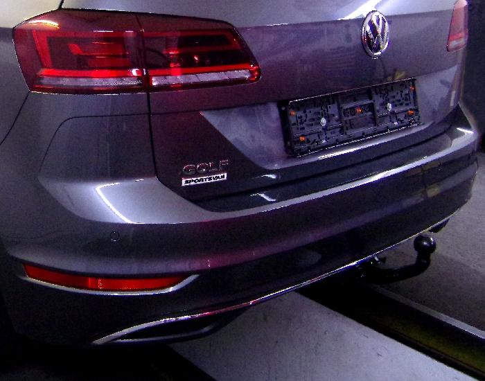 Anhängerkupplung VW Golf VII Sportsvan, Baureihe 2018-  vertikal