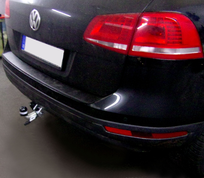 Anhängerkupplung VW Touareg f. Fzg. m. Reserverad am Boden, Baureihe 2010-2017  horizontal